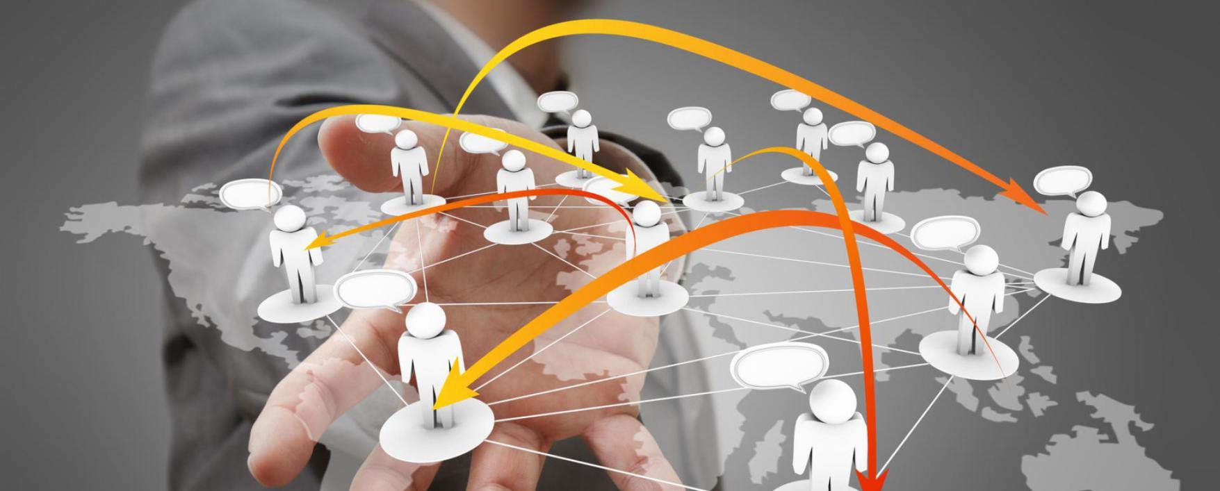 biznesmen-derzhit-v-ruke-sotsialnuyu-set-businessman-hand-holds-social-network-1755x707